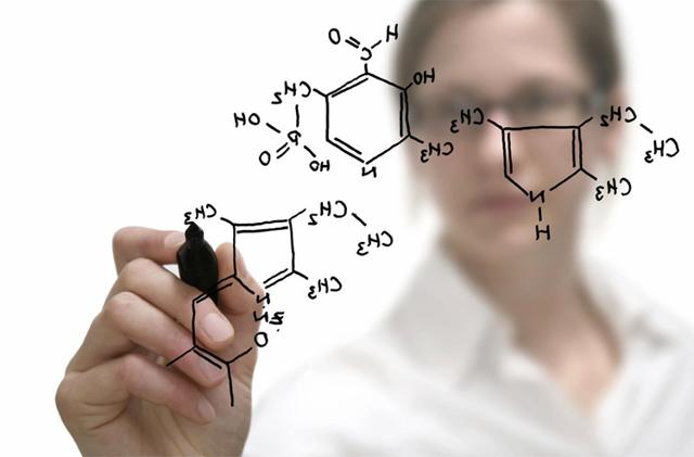 Профессия связанная с химией и физикой,зарплата химика и физика, кем можно работать